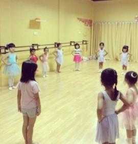 baby-class-kursus-balet-pekanbaru-enpointe-2