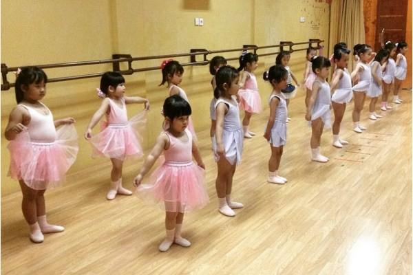 pre-primary-kursus-balet-pekanbaru-enpointe-1