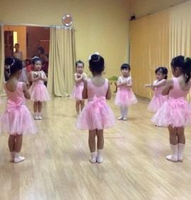 pre-school-kursus-balet-pekanbaru-enpointe